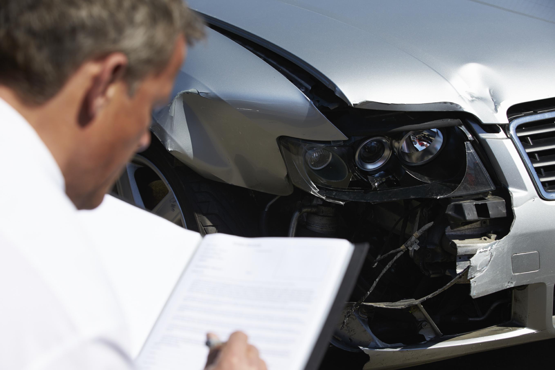 Voorbeeld Factuur Garage : Zo regelt de autoverzekeraar de schade na een ongeval